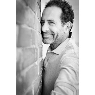 Photo Tony Shalhoub